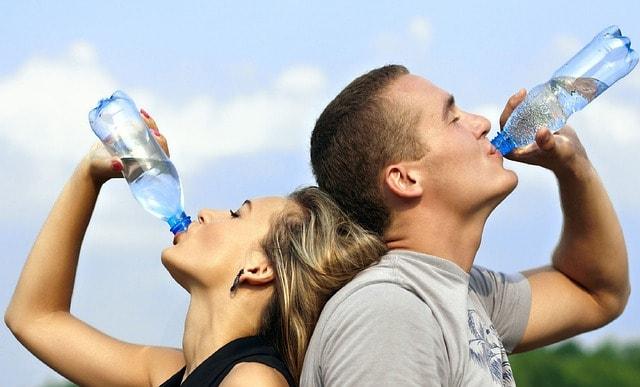 Eau bouteille plastique