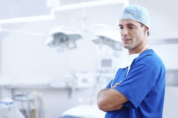 Médecins hospitaliers